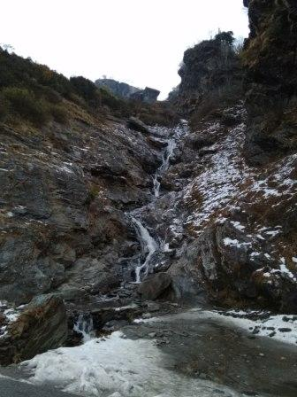 Waterfall on the road to Rohtang Pass in Manali
