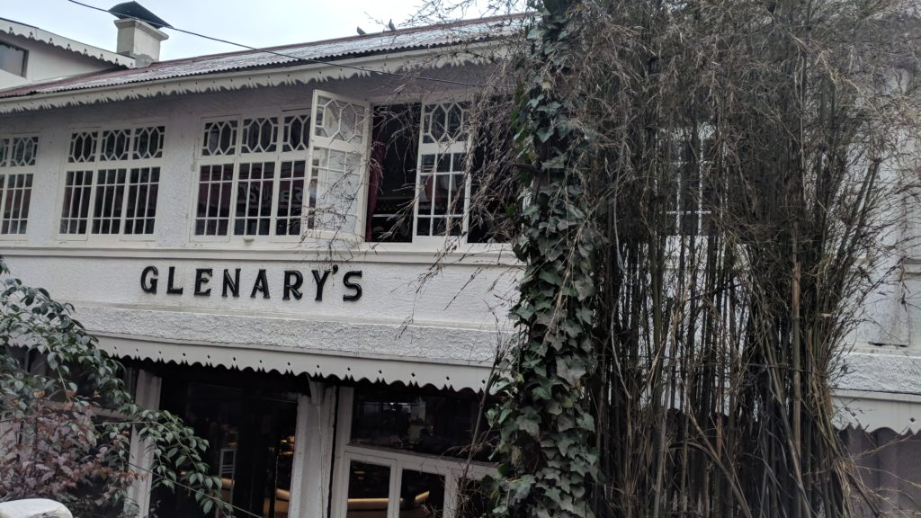 Glenary's, a cafe with the most yummy Blueberry Cheesecake